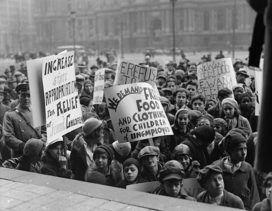 the relative changes in the us government during the 1920s The primary emphasis of more recent immigration legislation has been to reduce government in the united states the nation's immigration laws, 1920.